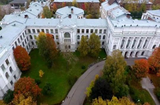 تحصیل در سنت پترزبورگ