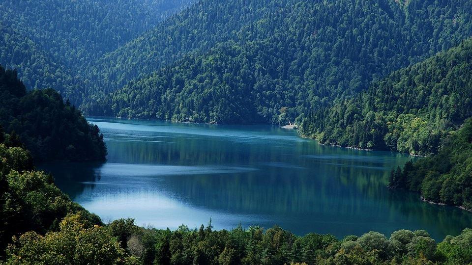 دریاچه ریتسا