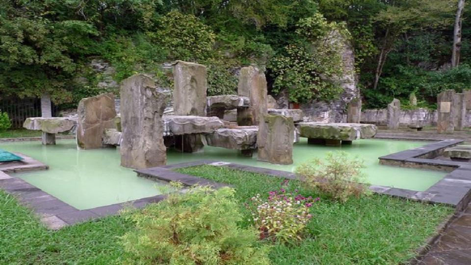 چشمه های آب گرم ماتسستا (Matsesta)