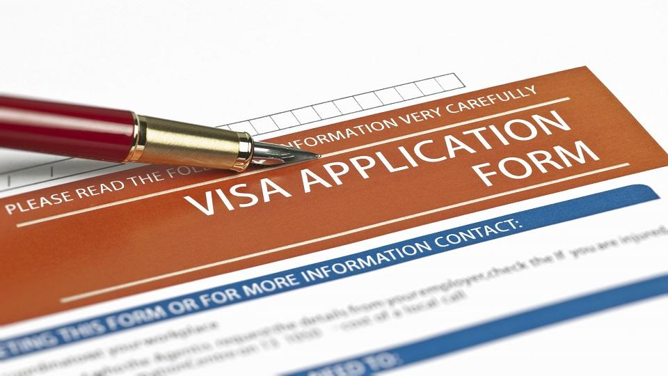 تکمیل مدارک دریافت ویزای آمریکا