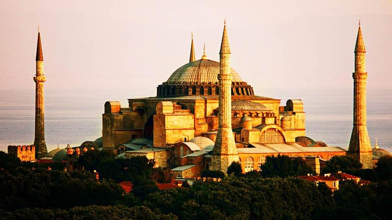 نمای از بیرون مسجد ایا صوفیه