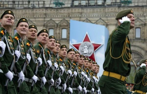 چند نفر در ارتش روسیه خدمت می کنند؟