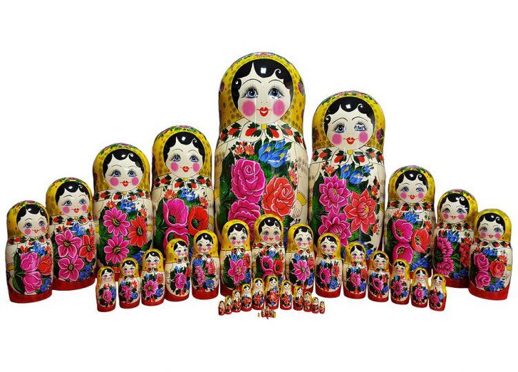 عروسک ماتریوشکا