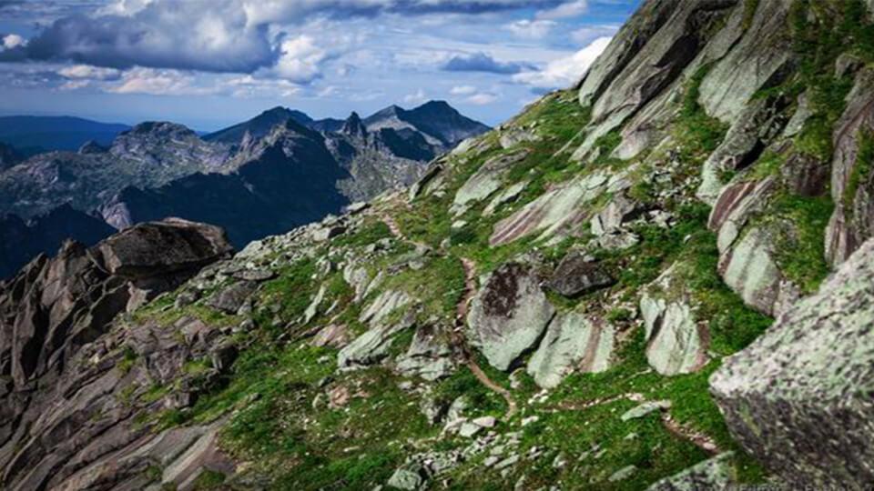 کوه های سر به فلک کشیده پارک ملی ارگاکی