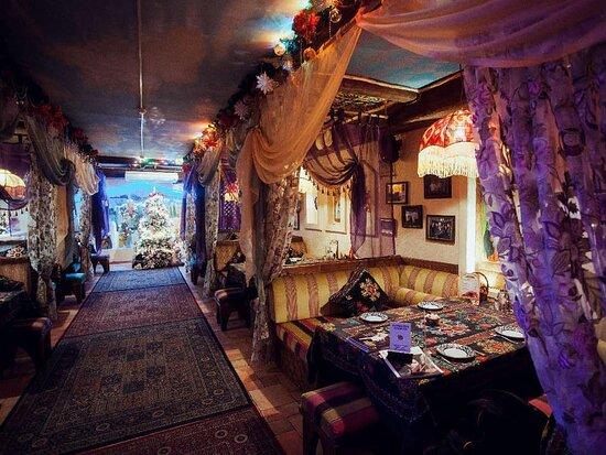 نمایی از رستوران Rubai