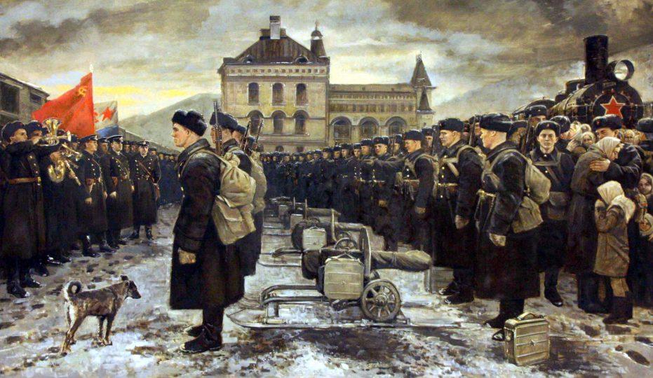 صف سربازان در حال اعزام ارتش سرخ روسیه