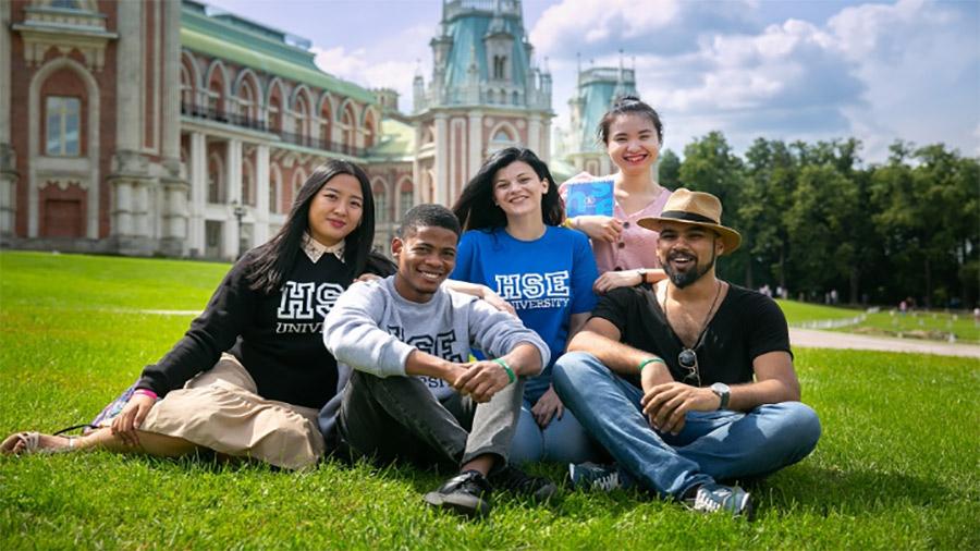 مدرسه تابستانی بین المللی HSE سال 2021