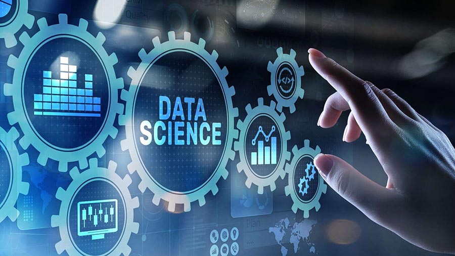 برنامه-علم-داده-در-دانشگاه-پتروزاوودس